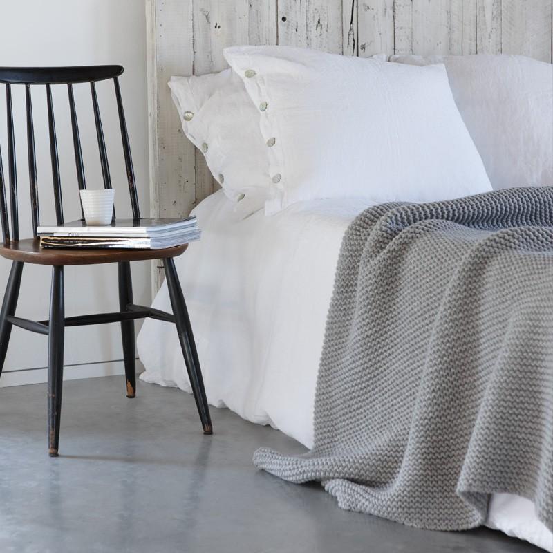 devon tagesdecke grau. Black Bedroom Furniture Sets. Home Design Ideas